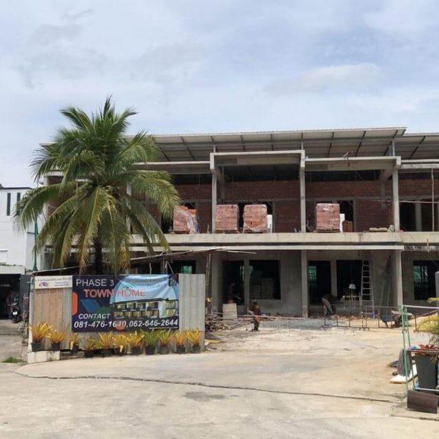 https://www.ppgrandkamala.com/wp-content/uploads/2021/05/Kamala-Townhouses-Phase-3-construction-2-640x640.jpg